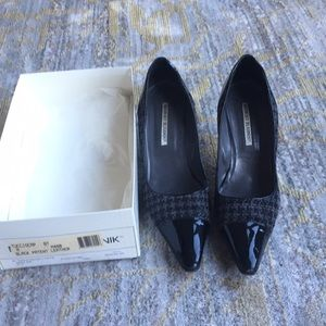 Manolo blahnik black patent and tweed shoes